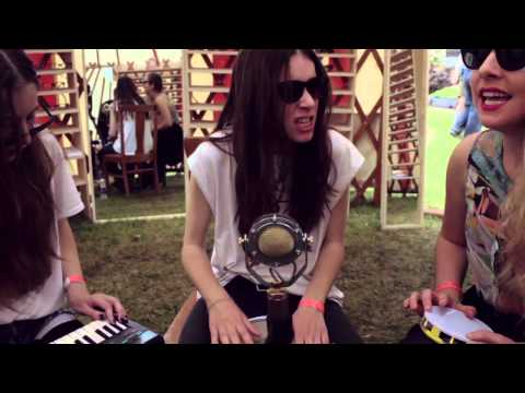 Warby Parker Presents: HAIM - Go Slow (Acoustic)