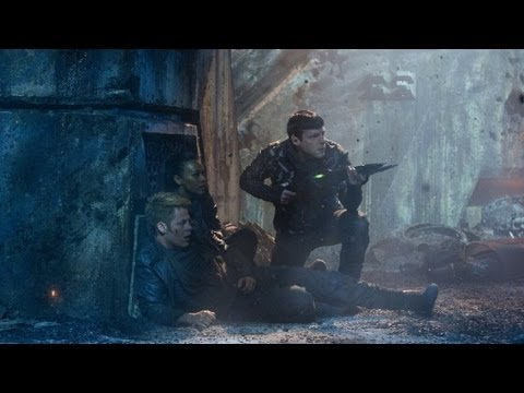 Mark - Mark Kermode reviews Star Trek Into Darkness. In JJ Abrams sequel the crew of the Enterprise lives are destroyed when they return home to find everything the...