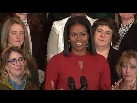 Мишель Обама дрожащим голосом призвала американцев не бояться будущего (видео)