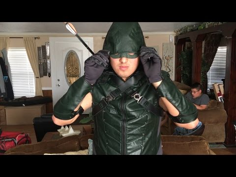 Green Arrow Season 4 Costume Review