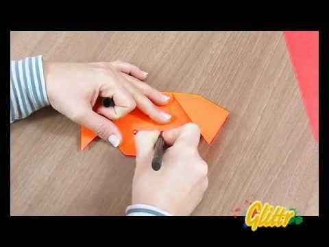 Origami Faltanleitungen: Einen Hund falten