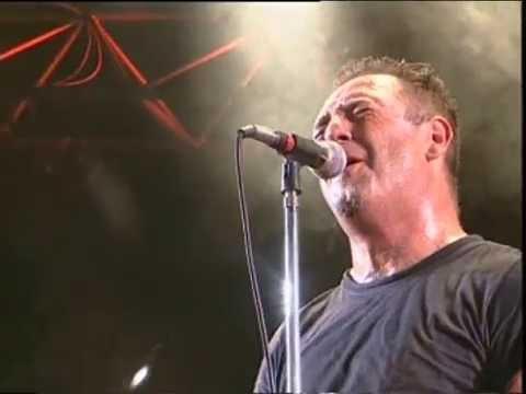 Almafuerte video Todo es en vano si no hay amor - San Pedro Rock II / Argentina 2004