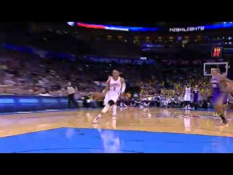 Westbrook dunks after Ibaka's turnover from Suns