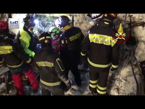 RIGOPIANO: ESTRATTI ULTIMI CORPI, BILANCIO FINALE 29 MORTI IDENTIFICATE