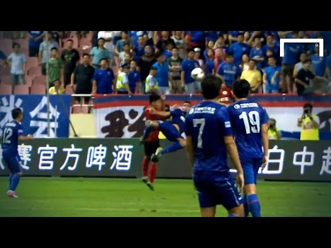 Bicycle - Lucas Viatri scored a spectacular overhead kick on his debut with Shanghai Greenland in their Chinese Super League match with Liaoning Whowin. Subscribe to Goal: https://www.youtube.com/goal...