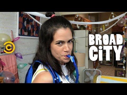 Abbi and Ilana Plan the Best Birthday Ever - Broad City