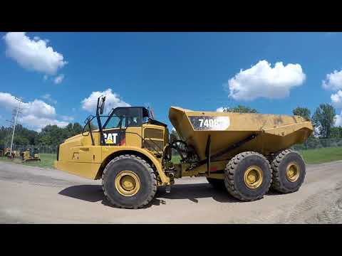 CATERPILLAR ARTICULATED TRUCKS 740B equipment video nlLtDtHWTBA