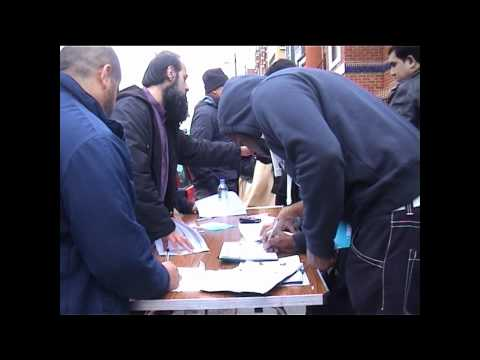Tooting Activists Collect Signatures for the Petition