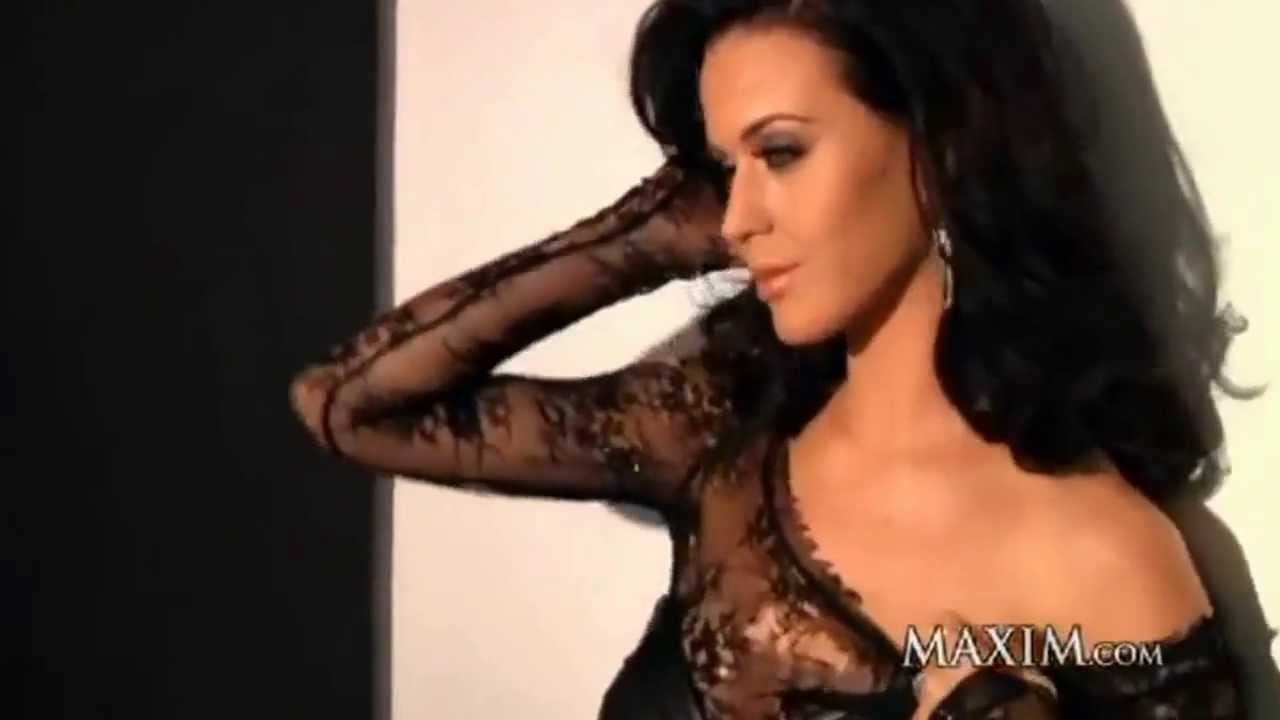 Katy Perry – Looking Sexy for the Cameras