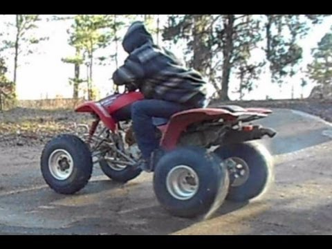 Honda 400ex Sport Quad – Drifting and Donuts on Asphalt