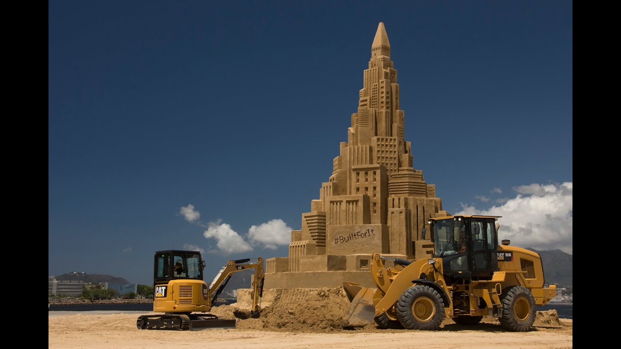 When the world's your sandbox, you can think big—Guinness World Records big. Watch Cat? equipment construct the world's tallest sand castle