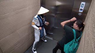 Zajebista wkręta z Mortal Kombat w windzie!