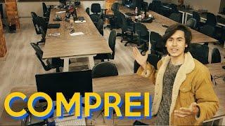 """Acredito que a cada dia fico um pouco mais maluco, parece que sou um personagem do filme """"O Iluminado"""" nesse vídeo.Conheça os espaços da ACE Campus, a aceleradora de Startups!Se inscreva, curta, dê sugestões com #VersoResponde e compartilhe!--------ParceirosAlguém disse no Youtube: https://goo.gl/Th9iPbWorldNerd: https://goo.gl/EzKYjW--------Apresentação: Victor VersolatoEdição: Victor Versolato--------Contato Profissionalvictor@versolato.comPortfólio de Victor Versolatohttp://versolato.strikingly.com/--------Músicas de fundo autorizadas para uso, todas Royalty-Free:www.epidemicsound.comwww.audiomicro.comwww.incompetech.comwww.youtube.com (trilhas do youtube)Music from """"Tomb Raider: Legend"""" - the first in the second continuation of the 'Lara Croft: Tomb Raider' video game franchise by developer Crystal Dynamics.Score composed by BAFTA-award-winning Troels Brun Folmann; sadly it has never been sold or officially released (and subsequently remains LICENSE-FREE).Músicas adicionais: www.killertracks.comPublishing by:AdRev for Third Party: www.adrev.net"""