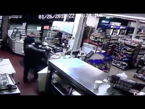 Vet fights off robber!