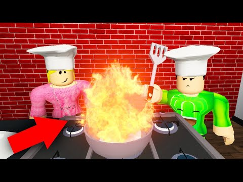 ALMOST BURNT DOWN THE HOUSE! (Roblox Cooking)