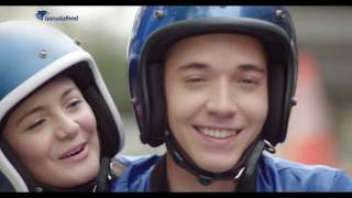 Iklan Kacang Garuda Rosta - Stefan William & Amanda Rawles (2017)