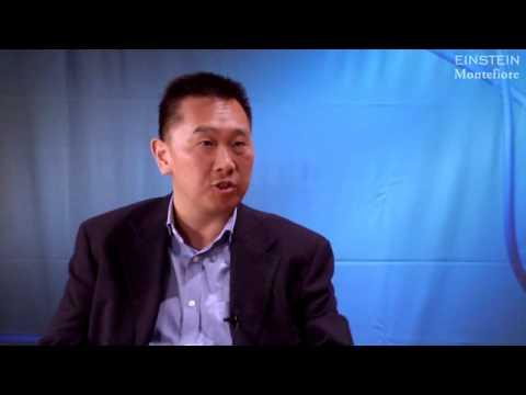 Makuladegeneration Forschung and Behandlung- Dr. Roy Chuck (Auszug)