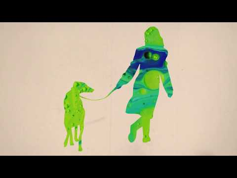 Heidi šeće psa singlom