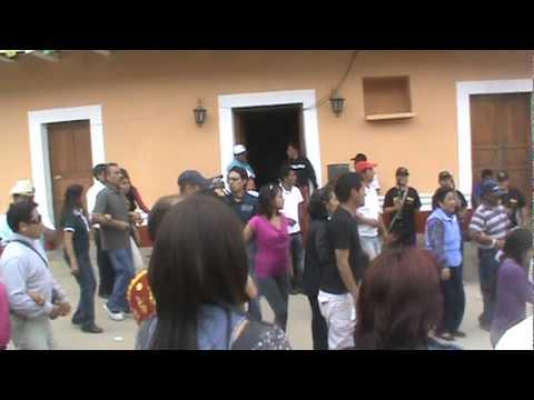 FIESTA EN YUPAN 2011 PRESENTACION DE LA BANDA SHOW FILARMONICA LLIPA  PART 1.mpg