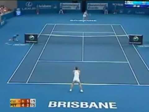 Clijsters contra Andrea Petkovic en la semifinal de Brisbane 2010