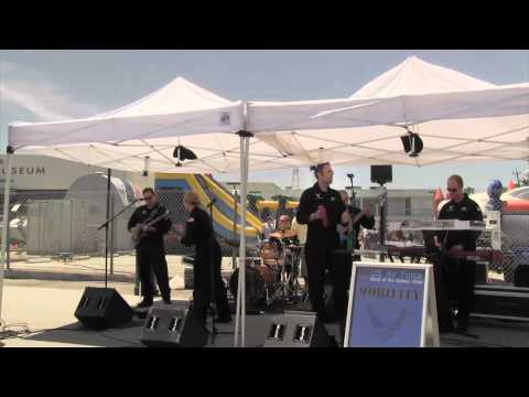 """""""Living in The USA"""" – Performed by the US Air Force Band – Mobility"""