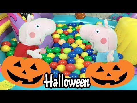 Especial Peppa pig en Halloween: la cerdita aprende los colores en el parque de bolas y dinosaurios