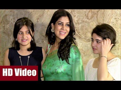 Video Sakshi Tanwar stunning in transparent saree at screening of DANGAL. download in MP3, 3GP, MP4, WEBM, AVI, FLV January 2017