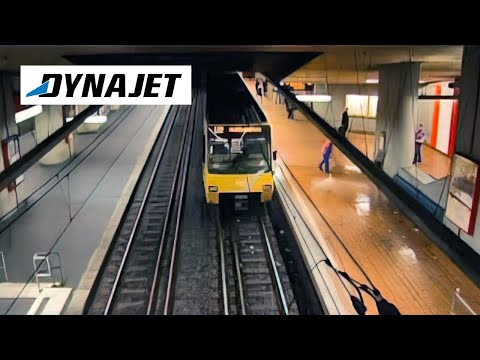 Cleaning an underground station