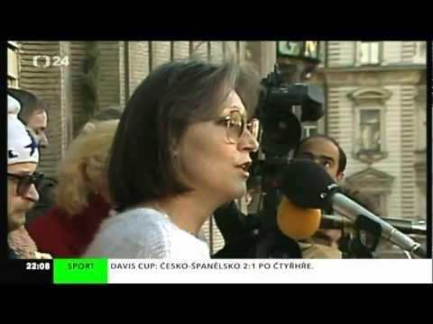 Marta Kubišová zazpívala na Václavském náměstí Modlitbu pro Martu
