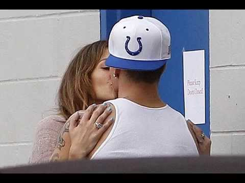 Jennifer Lopez And Casper Smart Kissing Pictures