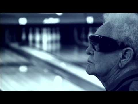 Pabst Blue Ribbon Commercial - Blind Bowling