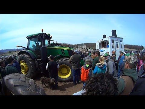 Late Model Farm Equipment Sold on Pennsylvania Farm Auction Thursday