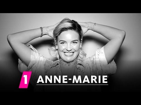 Anne-Marie im 1LIVE Fragenhagel | 1LIVE (mit Untertiteln)