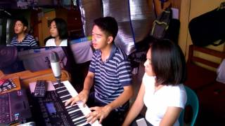 Download Lagu dive ( cover by goy & christine joy Mp3