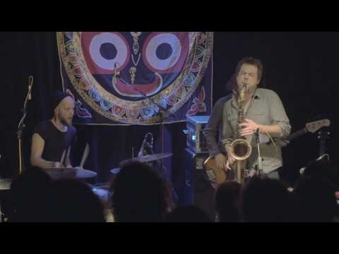 "MUFF - ""Ta-dap"" (live from Klubovna) 4/7"