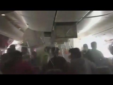 Ντουμπάι: Σκηνές πανικού, μετά την ανώμαλη προσγείωση του αεροπλάνου της Emirates