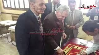 رئيس مجلس القضاء الأعلى يدلى بصوته في مدرسة الإعدادية بالازبكية
