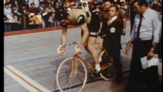 Eddy Merckx on the velodrome, making a new hour record.