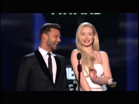 Ricky Martin en Presentacion Especial a Jennifer Lopez en los Billboard Awards 2014