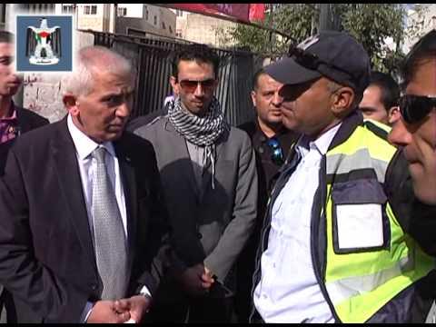 محافظ الخليل يتفقد الحواجز والدوريات الامنية في شوارع المدينة والتي تعمل على حفظ الامن وحماية المواط  - محافظة الخليل