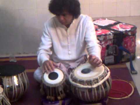 Video Zakir hussain practicing backstage download in MP3, 3GP, MP4, WEBM, AVI, FLV January 2017