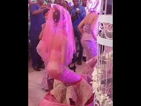 #AdesuaEtomi dancing down the aisle at her wedding to #BankyW #BAAD2017