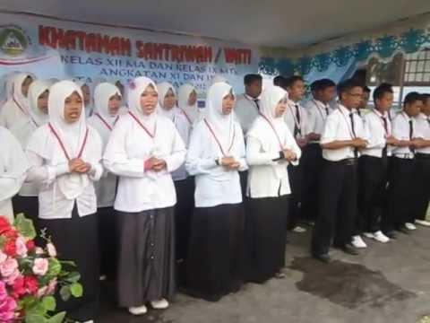 Pahlawan Tanpa Tanda Jasa - Santri Pondok Pesantren Al-Amin Kapuas