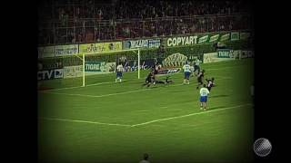 O Leão passou por cima do rival no Barradão com gols de André Neles (2) e Aristizábal.