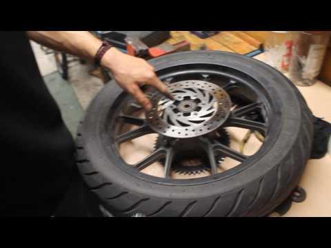 LPT n°1: Changer ses plaquettes freins , disque et purge de frein Derbi 50cc