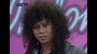 Video Prattyoda Indonesian Idol 2012 - When I See You Smile MP3, 3GP, MP4, WEBM, AVI, FLV Februari 2018