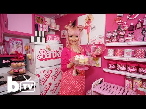 Welcome To My Real Barbie Dream House (видео)