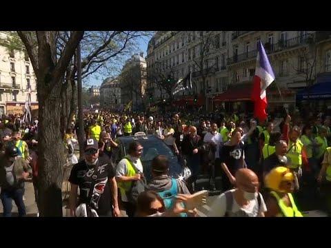 Παρίσι: Συγκρούσεις μεταξύ «κίτρινων γιλέκων» και αστυνομίας…