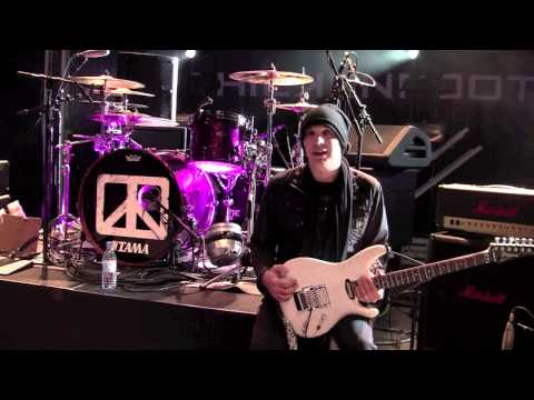 Greetings from Joe Satriani (Chickenfoot)