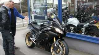 4. YZF R6 Midnight black  2010 - 2012